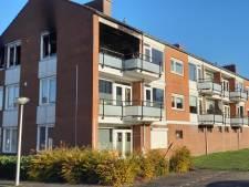 Appartement Roerstraat in Enschede verwoest door brand, oorzaak nog onduidelijk