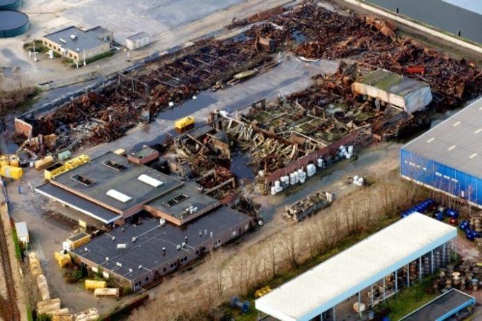 Luchtfoto van Chemie-Pack, een jaar na de brand. Foto: ANP
