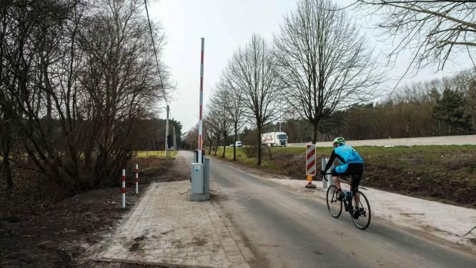 Slagboom Reebergenlaan opnieuw kapot gereden door fietser