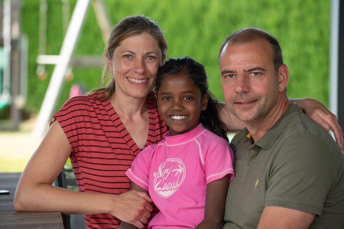Marie Buckens en Boris De Sutter kijken samen met dochter Roxan uit naar de komst van hun zoontje.