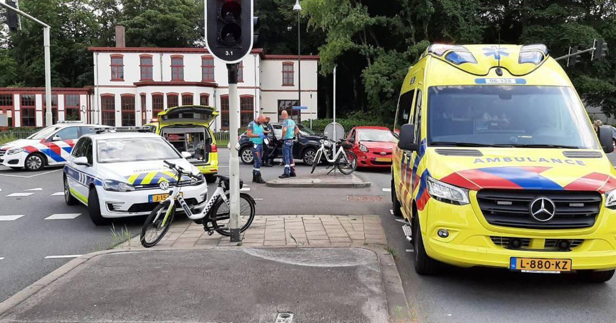 Veel verkeershinder in Apeldoorn door botsing van auto's op N345.