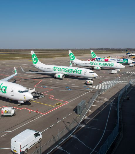 Minister grijpt niet in maar eist wel stikstofberekening van Eindhoven Airport