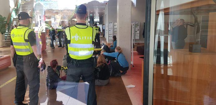 Actievoerders bezetten gebouw ZLTO in Den Bosch