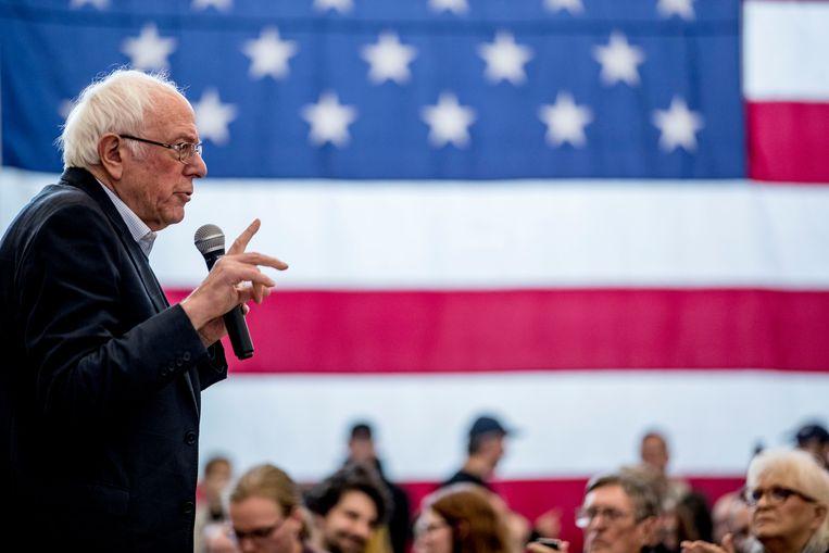 Senator Bernie Sanders zaterdag op campagne in Iowa. Hij kan, net als in 2016, weer uitgroeien tot een van de belangrijkste Democratische presidentskandidaten.   Beeld AP
