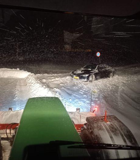 Schuiven sneeuw met tractoren heeft nu geen zin