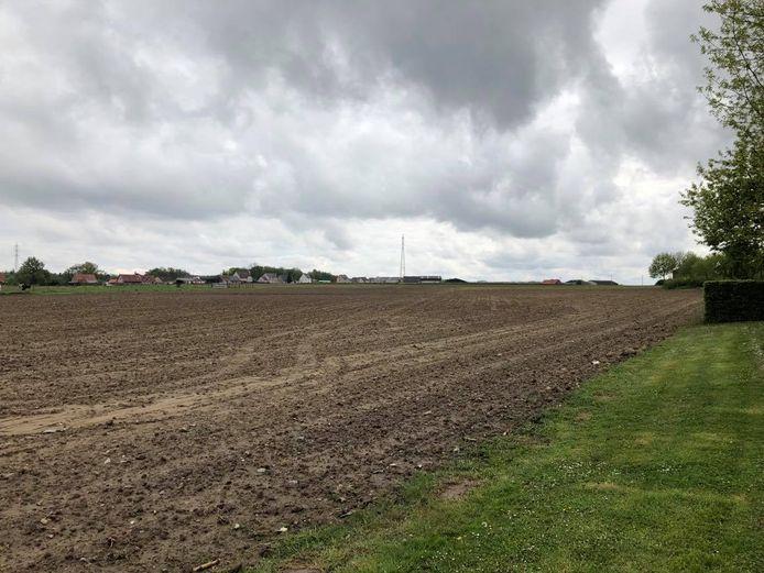 Deze landbouwgrond achter het Boudewijnpark is verkocht aan Bouwmaatschappij De Mandel