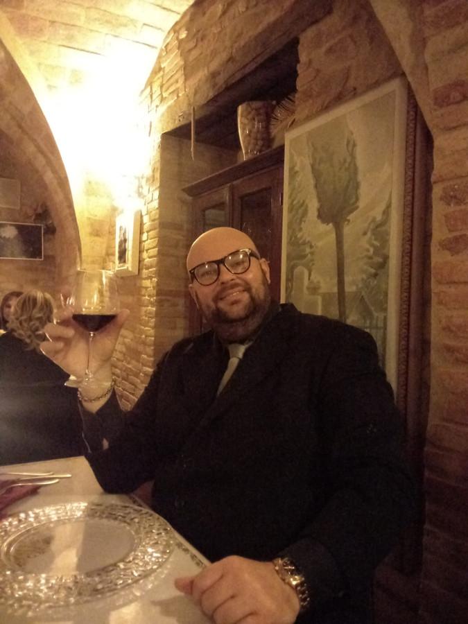 Initiatiefnemer Marco Guidi in zijn restaurant in Pesaro