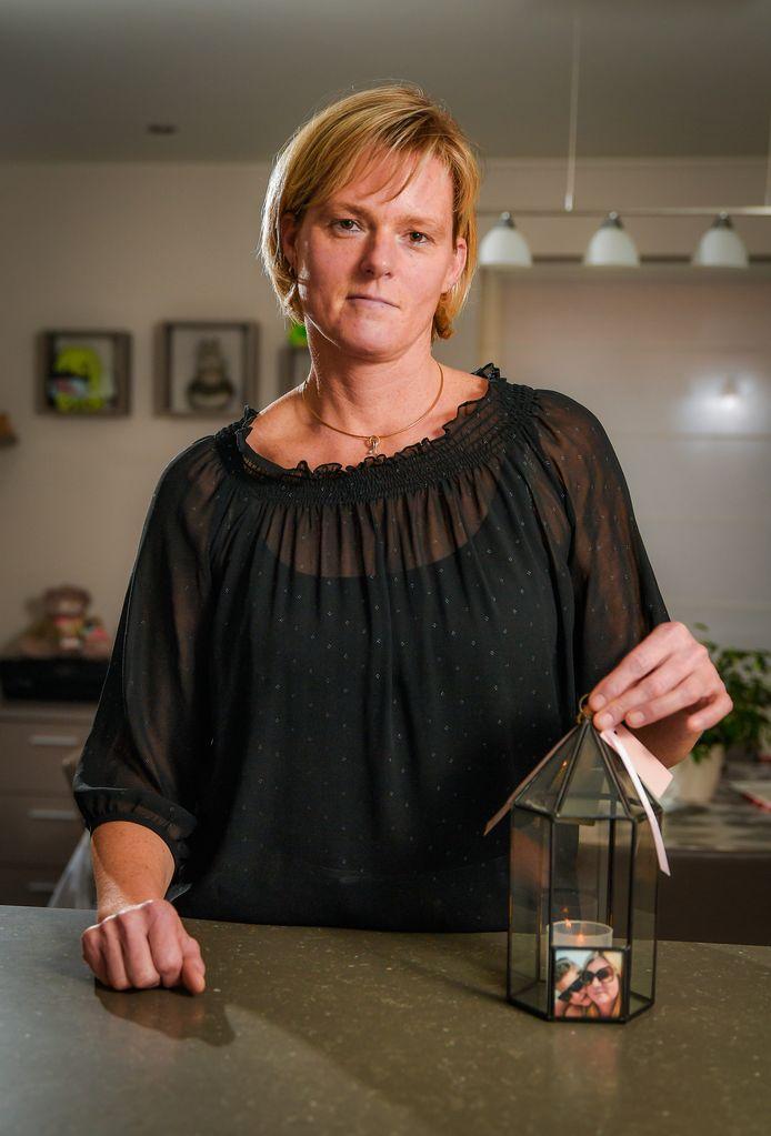 Nele D'Hooghe verloor in september haar zus Ellen, die vermoord werd door haar man.