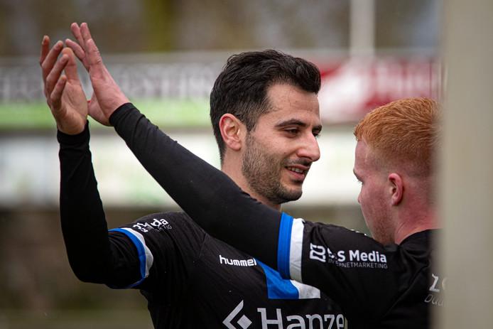 Özhan Kardag probeert met KHC, de zesde club uit zijn loopbaan, dit seizoen de plaats in de eerste klasse vast te houden.