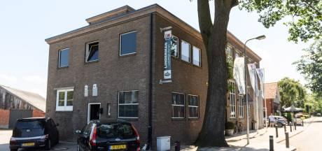 Vroeger was het de melkfabriek in Weerselo, nu is het de slagerij: maar de sfeer van weleer is gebleven