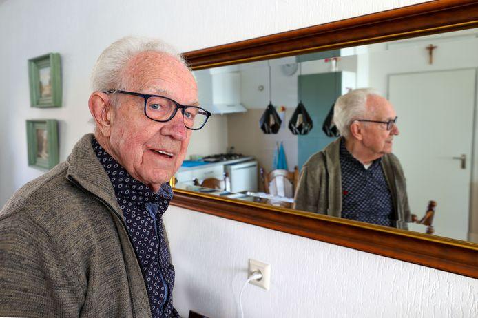 Tony van Rooij denkt met plezier terug aan al die jaren bij het toneel.