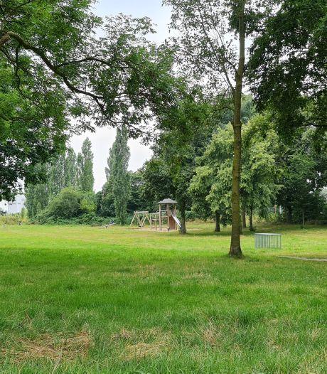 Vrouw (25) beroofd en bij de keel gegrepen in Nijmeegs park: 'De striemen stonden in haar nek'