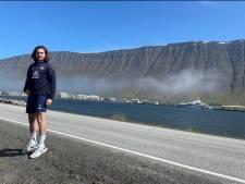 Op IJsland probeert Apeldoornse keeper Steven van Dijk (24) nog een glimp van het profvoetbal mee te krijgen