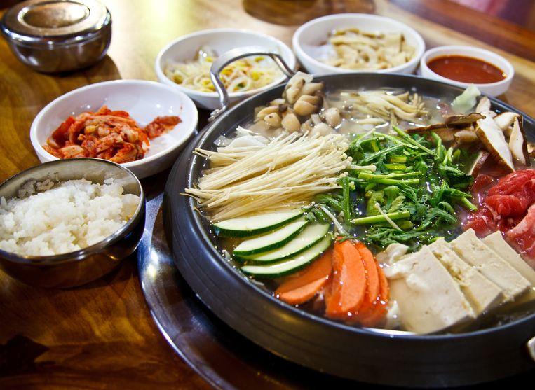 Koreaans eten.'Mijn moeder kan écht heel goed Chinees koken. Maar de Koreaanse keuken vind ik nog lekkerder, want die is verfijnder.' Beeld Colourbox