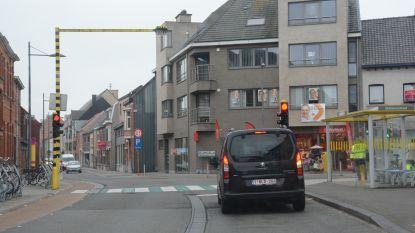 Extra verkeerslicht maakt kruispunt Kronenhoekstraat veiliger