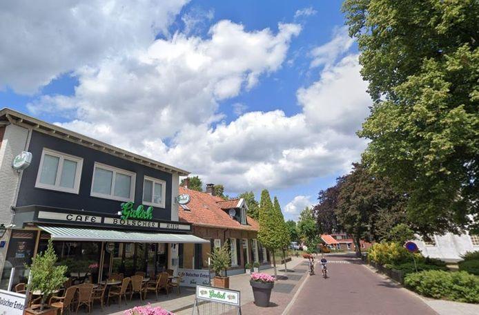 Naast café Bolscher wil eigenaar Jan Goossen een cafetaria beginnen. Maar daar is niet iedereen het mee eens.