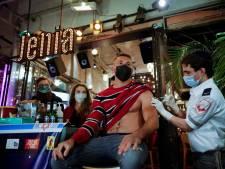 Ambassadeur verklaart vaccinatiewonder in Israël: 'Wij geven Pfizer big data over mensen'