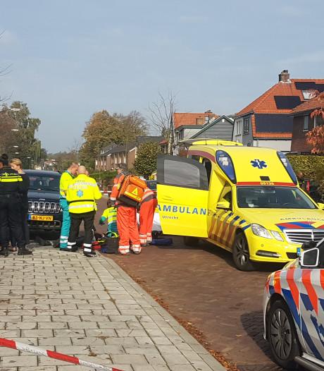 Speedbiker botst tegen open portier en raakt zwaargewond in Soest