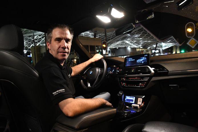 Arjan Wijsman rijdt in Tilburg ook voor Uber.