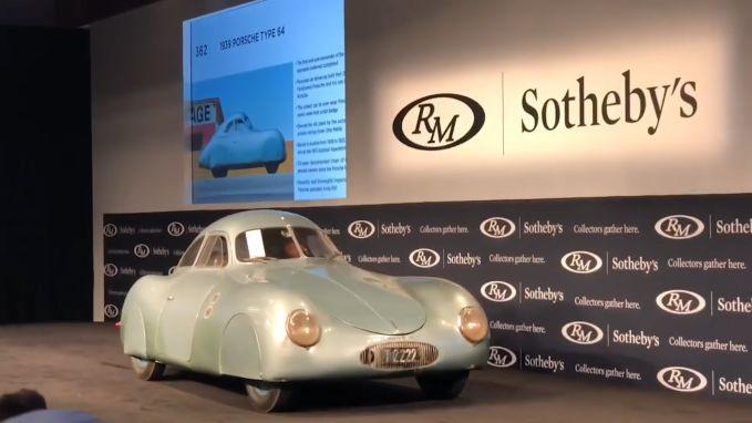 """Allereerste Porsche niet geveild door blunder met cijfers: """"Het is 17 miljoen, jongens, geen 70!"""""""