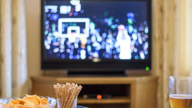 Nederlanders kijken door coronacrisis massaal veel meer tv