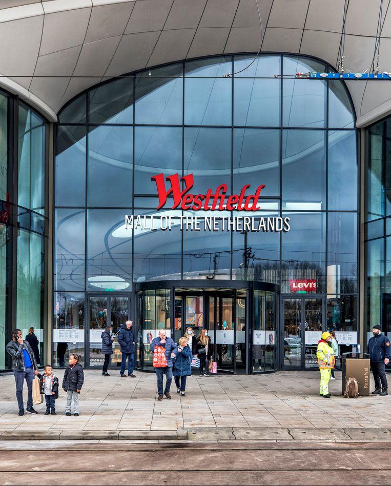 Het gebouw is ontworpen door Roberto Meyer, de architect van het station Rotterdam Centraal. Beeld Raymond Rutting / de Volkskrant