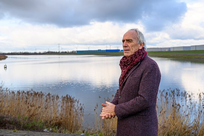 Bram Aertssen maakt zich zorgen over visstand in de Oosterschelde. De oplossing? Zoet water uit het Volkerak-Zoommeer toelaten.