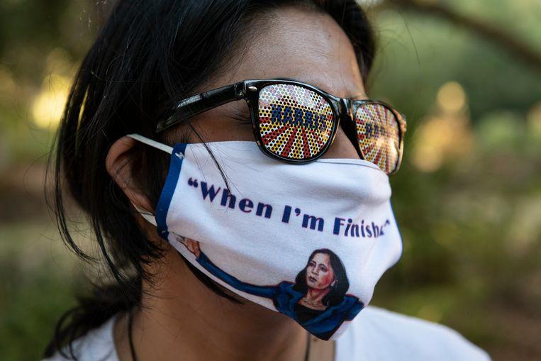 Mondkapje met afbeelding van Kamala Harris. Beeld Getty Images