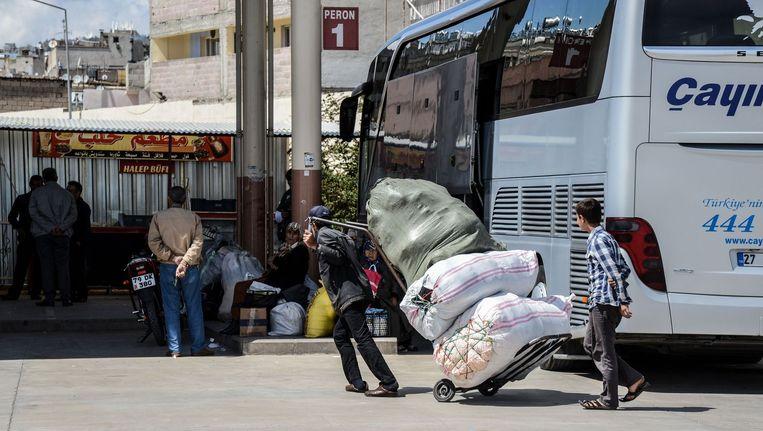 Een busstation in Zuid-Turkije. Beeld afp