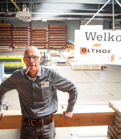 Ondernemer Henk Olthof (57) is overleden; Een markante Hellendoorner is niet meer