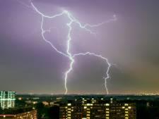 Na recordzonnige weken mogelijk zwaar onweer en hagel rond middernacht
