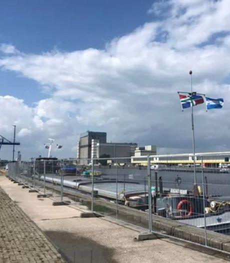 Schipper weigert met 'gifschip' Sempre Spera te vertrekken uit Veghel