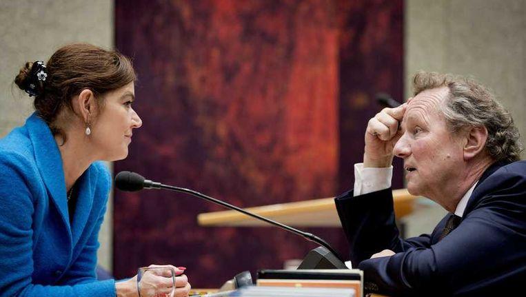 Kamervoorzitter Anouchka van Miltenburg heeft een gesprek met GroenLinks voorman Bram van Ojik. Beeld anp