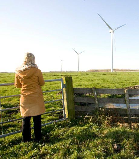 Raad Alphen veegt optie windmolens langs N11 van tafel: zoektocht mét inwoners naar nieuwe plekken