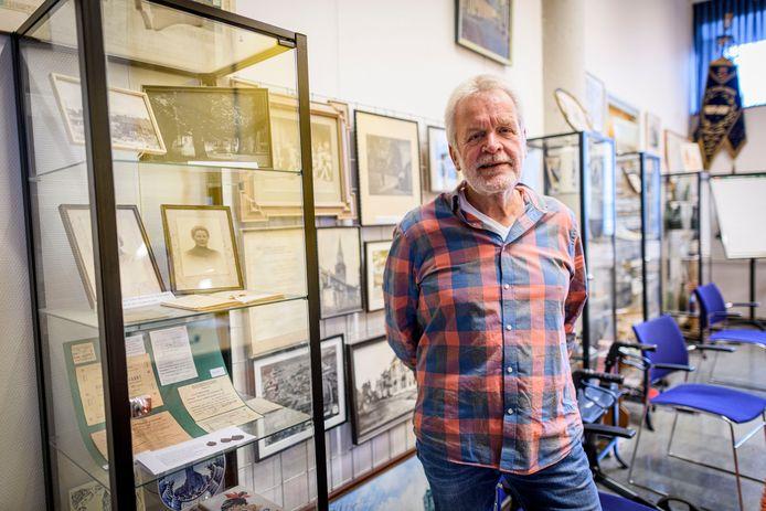 Dick Buursink is de voorzitter van de Stichting Historische Sociëteit Enschede-Lonneker (SHSEL). Hij hoopt dat er ergens in de stad ruimte is voor de geschiedenis van Enschede.
