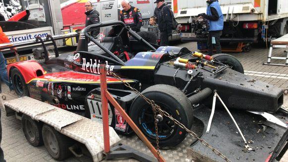 De racewagen van Boonen na de crash.