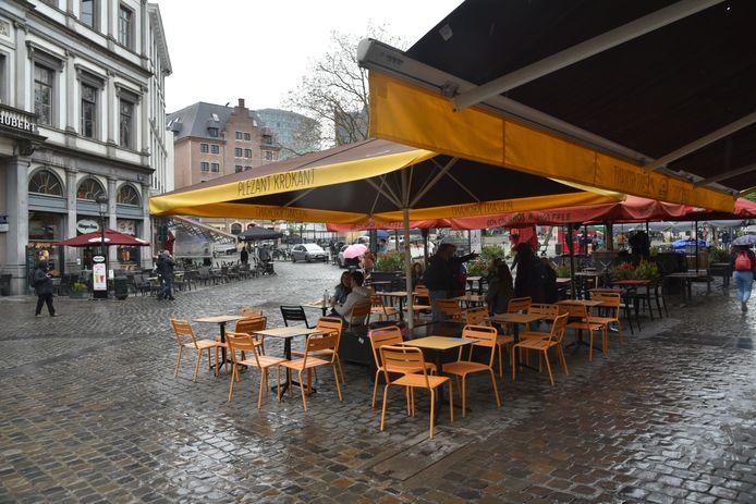 Nog veel lege stoelen in hartje Brussel