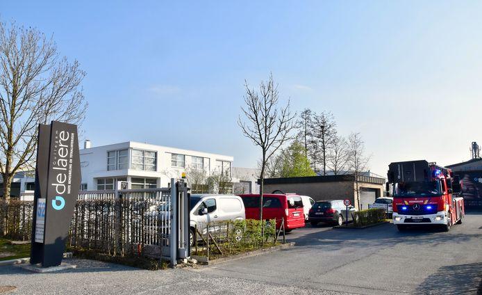 De brandweer kon zich beperken tot een grondig nazicht in het atelier van het interieurbedrijf De Laere, langs de Nijverheidslaan in Gullegem.