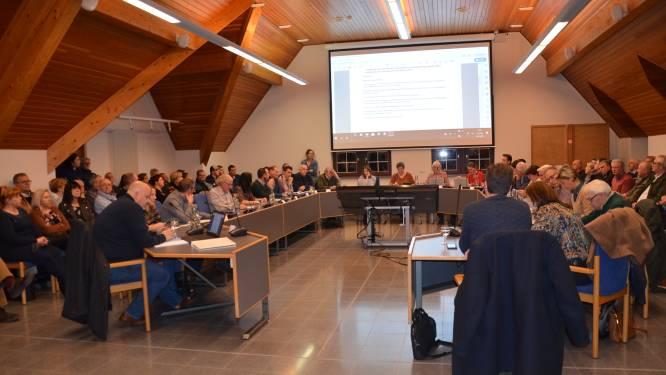 Gemeenteraad vindt weer plaats in gemeentehuis, publiek opnieuw toegelaten