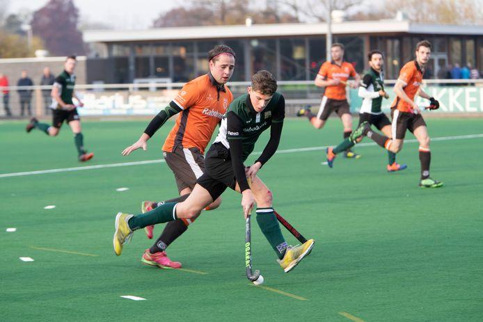 De mannen van Zutphen (groen) gingen in een enerverend duel met 3-4 ten onder.