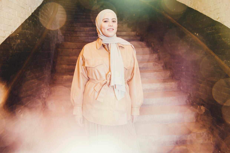 Hanan Challouki: 'Er wordt heel snel gedacht: het is een influencer, dus die zal de jongeren wel bereiken. Ik zeg: de beste influencer is uw moeder.' Beeld © Stefaan Temmerman