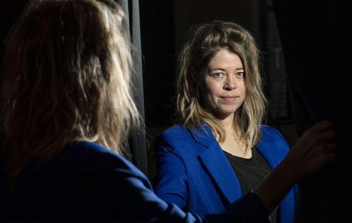 """Voor Karine Roldaan is het theater haar thuis. """"Maar ik ben iemand voor achter de schermen. Zelf in de spotlights staan, is niet mijn ding."""""""