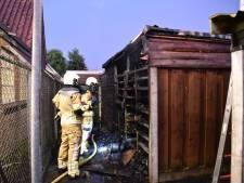Schuren zwaar beschadigd na brand in Almelo
