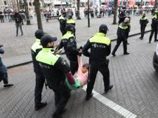 Ruim honderd actievoerders opgepakt bij verboden demonstratie Binnenhof