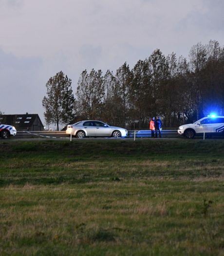 Auto gecrasht bij Sluiskil na achtervolging, een verdachte aangehouden, andere ontkomt