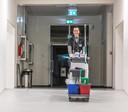 Schoonmaakbedrijf Novon gaat als eerste bedrijf in de regio Zwolle nieuwe schoonmakers aannemen via het grensverleggende concept van 'open hiring'.