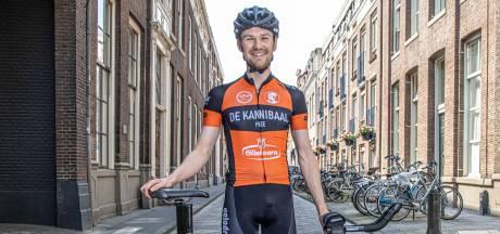 Zwolse 'Kannibaal' Pieter Verhoeven wielerprof voor een dag bij het NK tijdrijden