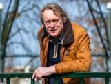 Rob van Scheers (61) schreef een boek over FC Utrecht: 'Een wonder dat de club vijftig jaar bestaat'