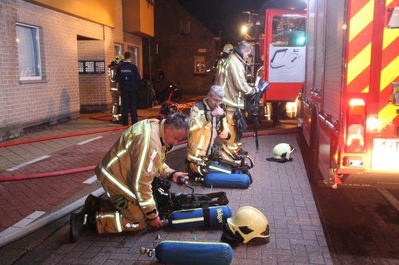 Omwille van een gelijktijdige brand in Ninove kreeg brandweerpost Lede ondersteuning uit Wetteren en Wichelen.