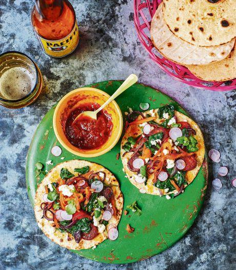 Taco's met spinazie, chorizo en aardappel